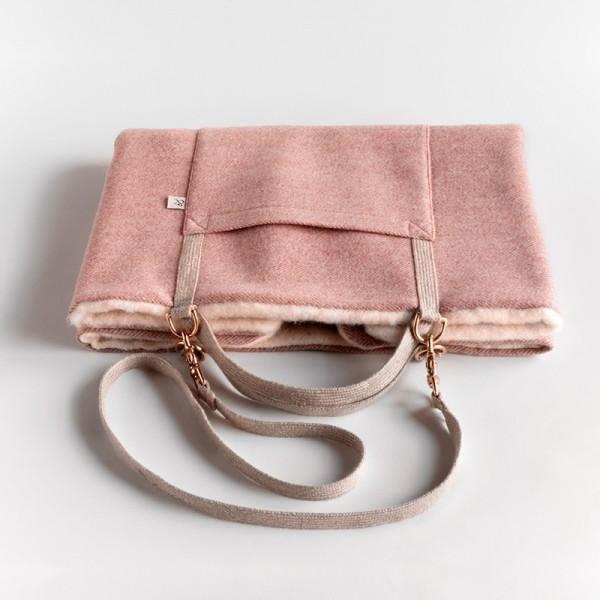 """Reisebett-Tasche aus Wolle """"Berry"""""""